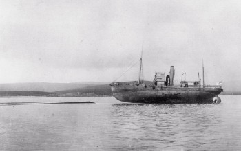 Royal Navy whaler Ramna 'aground' on the hull of SMS Moltke © Orkney Library and Archive